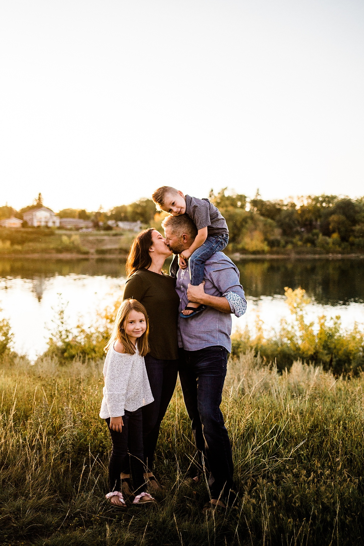 Sarah Rolles Photography Saskatoon, Prince Albert family photographer